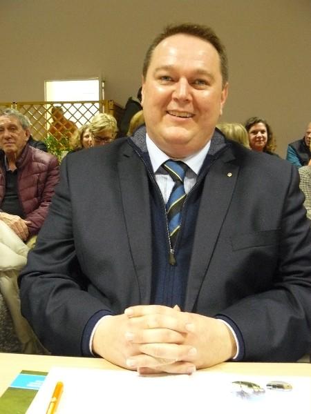 Emmanuel Porcq Membre du Bureau de la communauté de communes, délégué à la mutualisation, l'efficience territoriale et la simplification administrative. Adjoint au maire de Cabourg