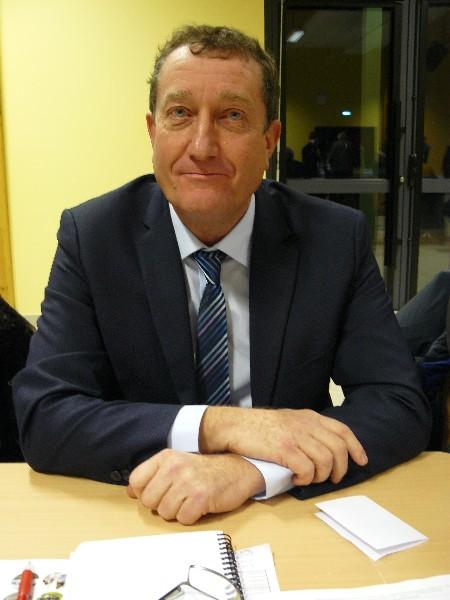 Xavier Madelaine 13ème vice-président de la communauté de communes en charge de la politique jeunesse, des Relais Assistants Maternels et centres de losirs. Maire d'Amfreville